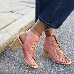 Jeffrey Campbell/ Free People Minimal Lace-Up Heel